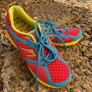 Newton Gravity athletic shoes